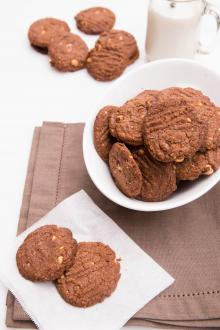 Nutella Cookies in a bowl and on a napkin